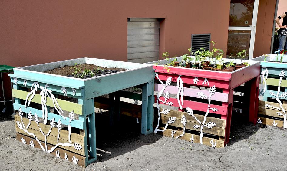 Installation dans le jardin des senteur atelier d co for Les materiaux de jardinage