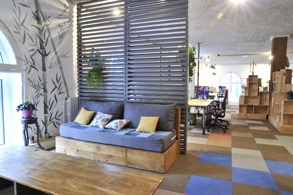 la ruche ambi 127 atelier d co solidaire. Black Bedroom Furniture Sets. Home Design Ideas