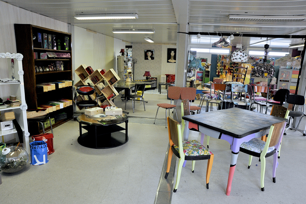 showroom542 atelier d co solidaire. Black Bedroom Furniture Sets. Home Design Ideas